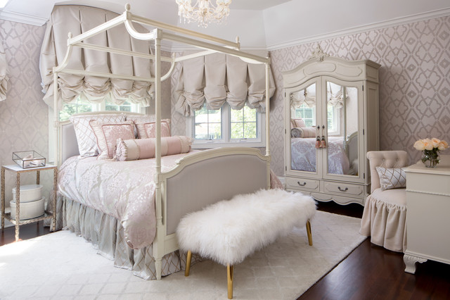Suburban Luxury Victorian Bedroom Chicago By Joey