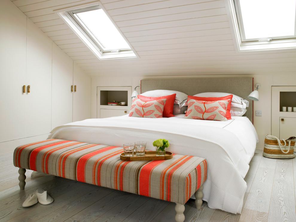 Bedroom - mid-sized contemporary bedroom idea in London