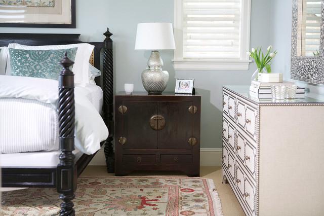 Queen Anne traditional-bedroom
