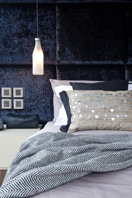 Rednaxela contemporary-bedroom