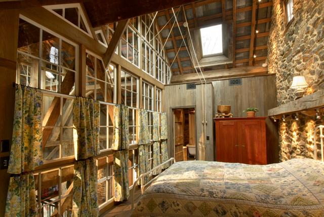 Repurposed tobacco barn honeybrook pa rustic bedroom for Tobacco barn house plans