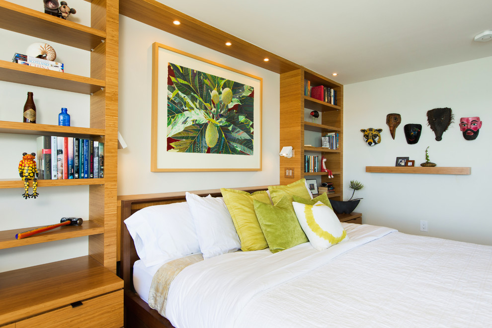 Mid-sized island style master bedroom photo in Hawaii with white walls and no fireplace