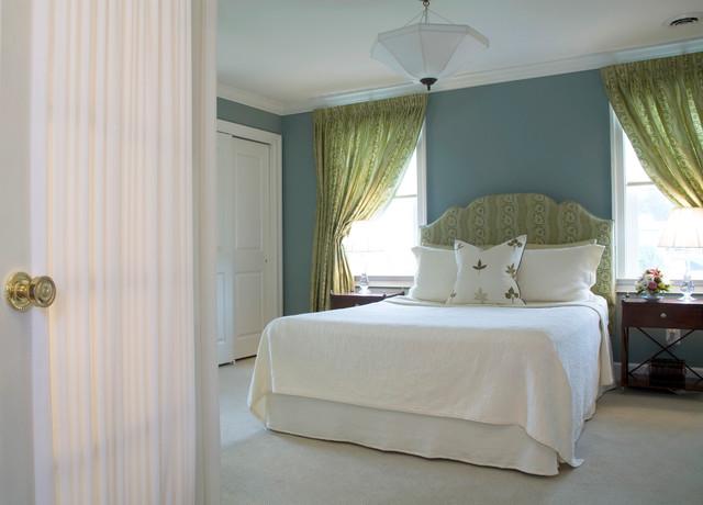 Riderwood traditional-bedroom