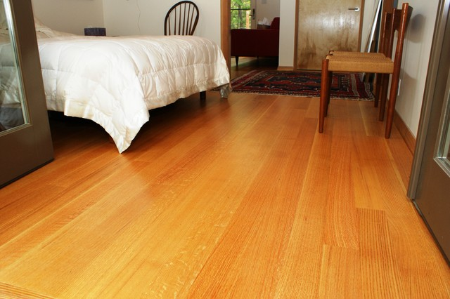Rift and quartersawn Red Oak flooring Traditional  : traditional bedroom from www.houzz.com size 640 x 426 jpeg 66kB
