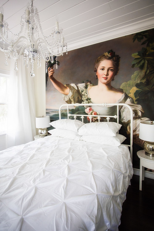 Surprising Luxuries That Fit Into A Small Bedroom