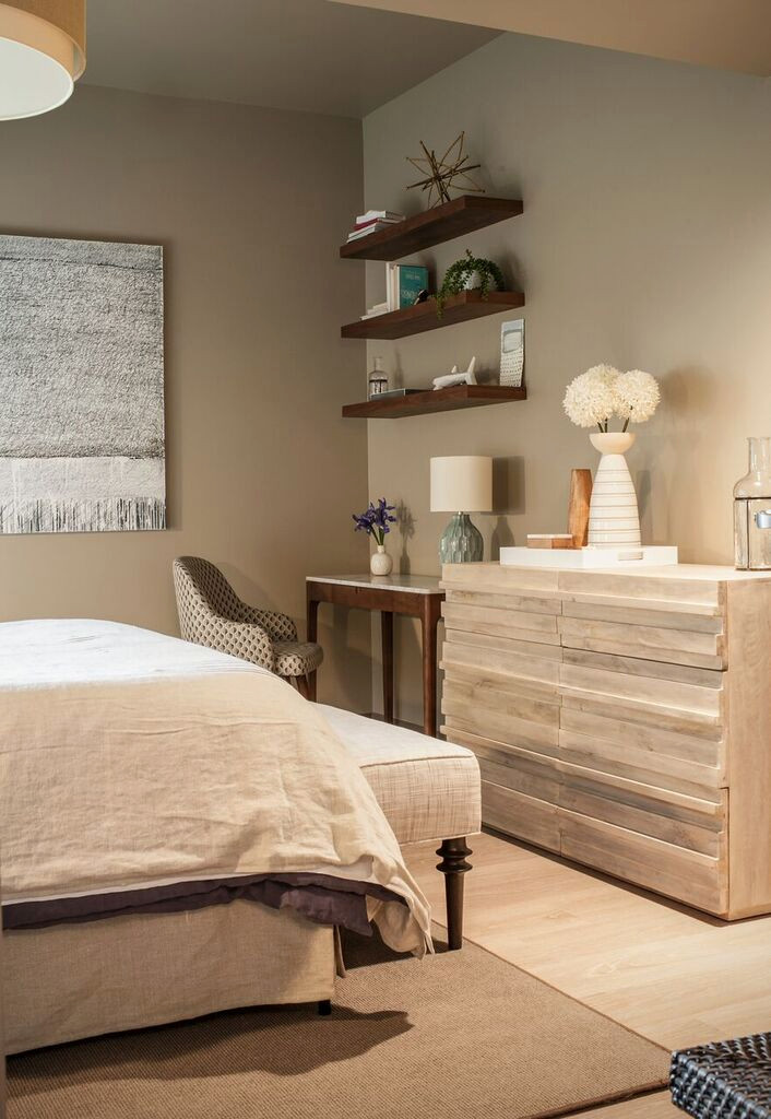 75 Beautiful Small Modern Bedroom Pictures Ideas January 2021 Houzz