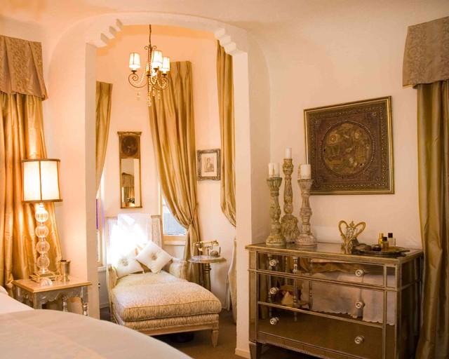 Romance eclectic-bedroom