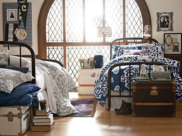 Room 184 bedroom