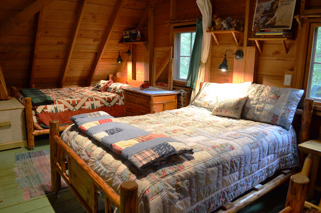 Charmant Rustic Cabin   Sleeping Loft Rustic Bedroom