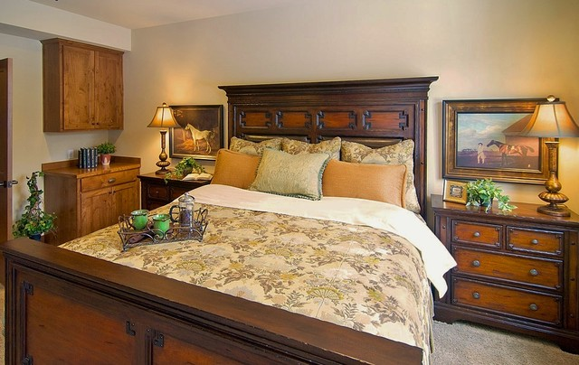 Rustic elegant master bedroom suncadia traditional for Rustic elegant bedroom