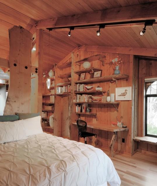 Rustic Guest Suite Retreat Rustic Bedroom Other