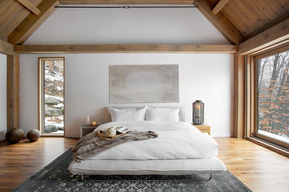 Minimalist bedroom photo in Montreal