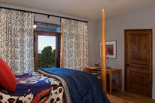 Santa Fe Summit traditional-bedroom