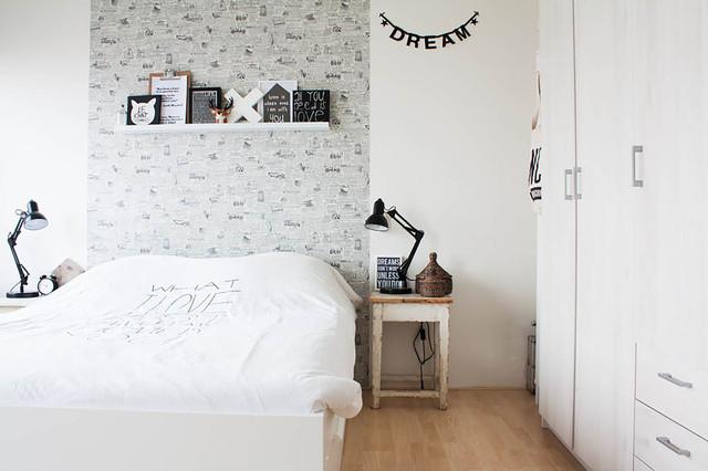 Scandinavian Style On A Budget In A Small City Apartment Eklektisch  Schlafzimmer