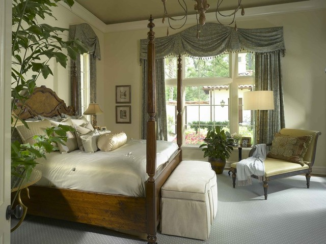 Sea Island Home traditional-bedroom