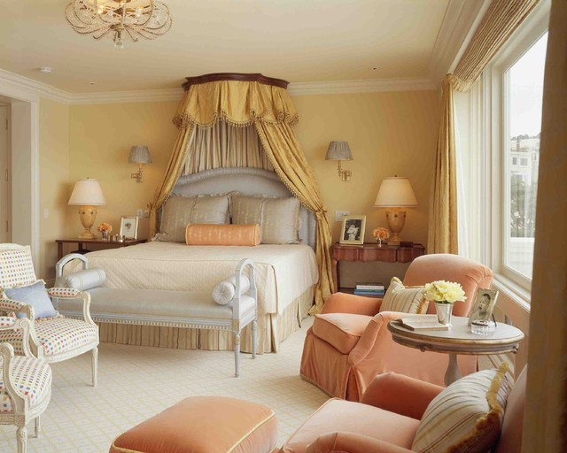 Example of a classic carpeted bedroom design in San Francisco