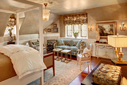 Eclectic decor traditional bedroom