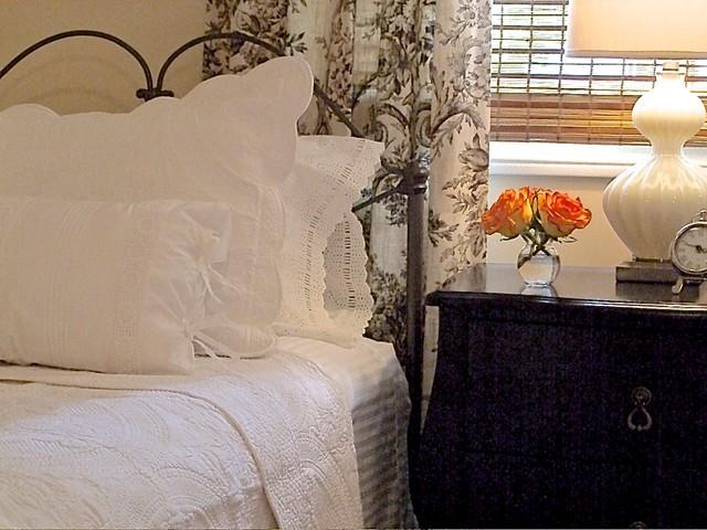seventies side split guest bedroom transitional bedroom