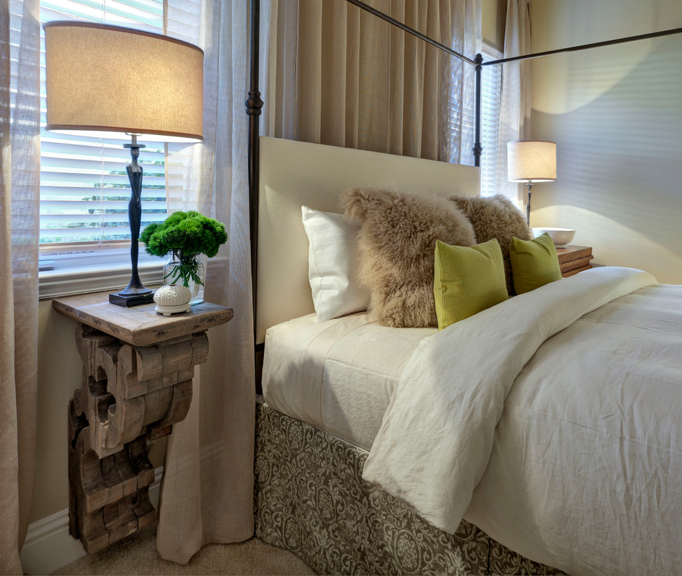 Bedroom - transitional carpeted bedroom idea in Miami with beige walls