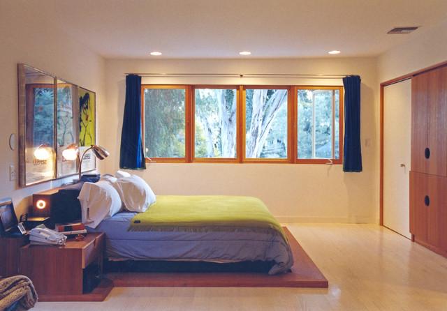 Shaiman Residence modern-bedroom