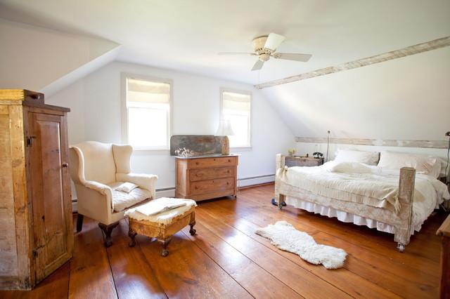 Shy Rabbit Farm farmhouse-bedroom