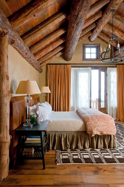 Sky Art Lodge rustic-bedroom