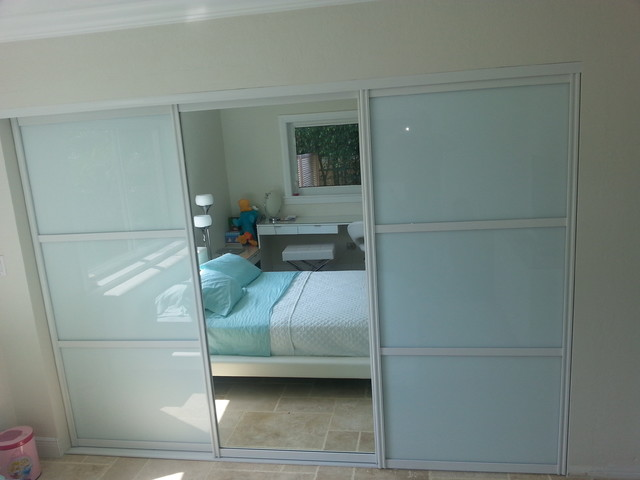 Sliding doors contemporary-bedroom