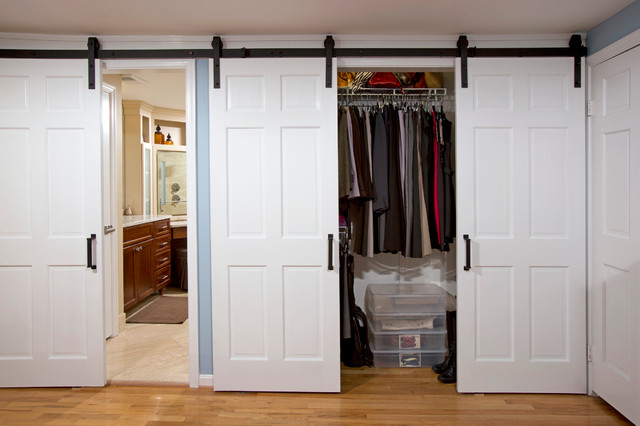 Sliding Doors With Barnyard Hardware Country Bedroom