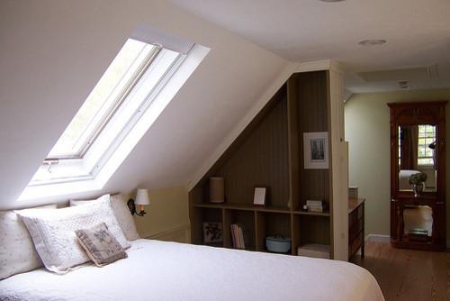 Bedroom - traditional bedroom idea in Portland