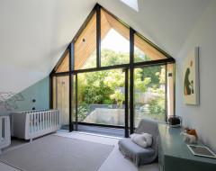 Houzz Tour: Natural Light Floods into an Elegant New-build Home