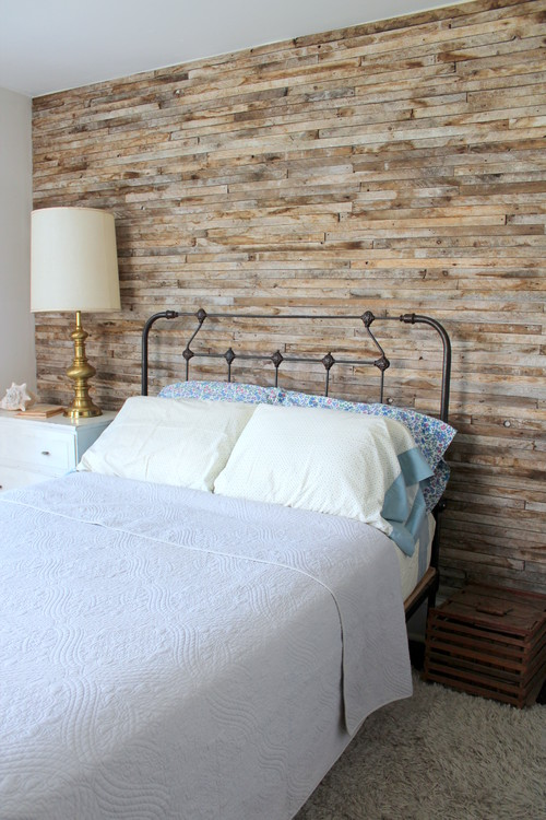 Rustic Chic 12 Reclaimed Wood Bedroom Decor Ideas