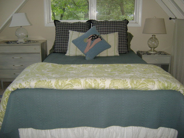 Southampton Cottage eclectic-bedroom