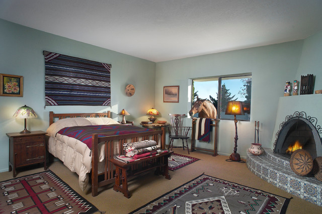 Western Theme With Navajo Rugs And Arts Crafts Furnishings Southwestern Bedroom