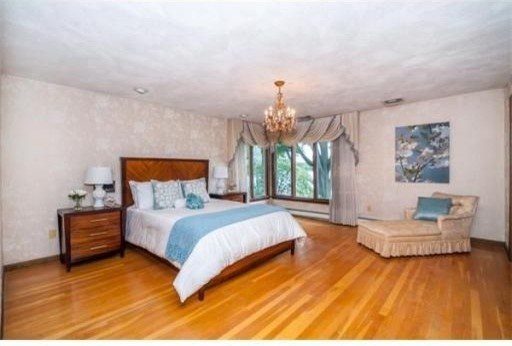 Spacious Master Bedroom W Views Of Lake Quannapowitt Room Size Walk In Closet