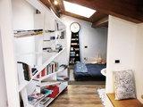 Architettura: Rifugio Contemplativo Circondato dal Bosco sui Colli (7 photos) - image moderno-camera-da-letto on http://www.designedoo.it
