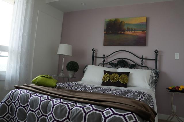 Bedroom - bedroom idea in Calgary