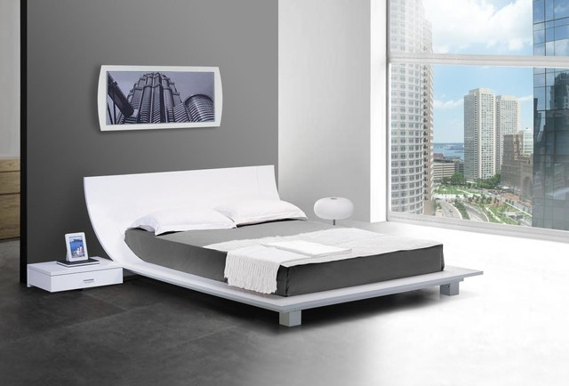 Story - White Platform Bed and Two Nightstands - Contemporary ...