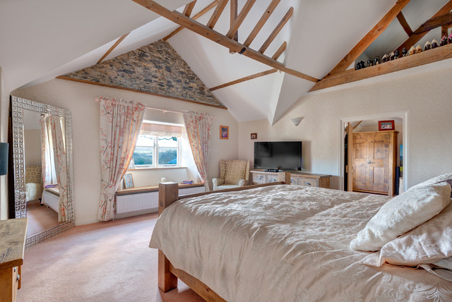 Strawberry Hill Farm farmhouse-bedroom