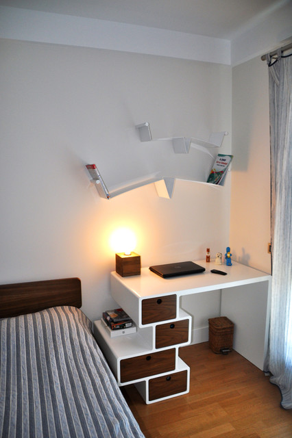 table for bedroom. Study Table  engelk y Derun Architecture Istanbul modern bedroom Modern