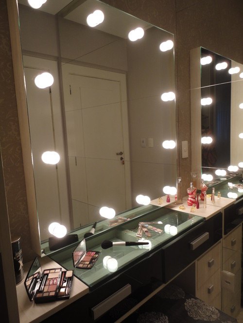 Where can i find the makeup mirror with the lighting for Where can i find mirrors