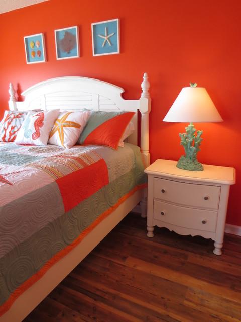 Summer Winds Condo eclectic-bedroom