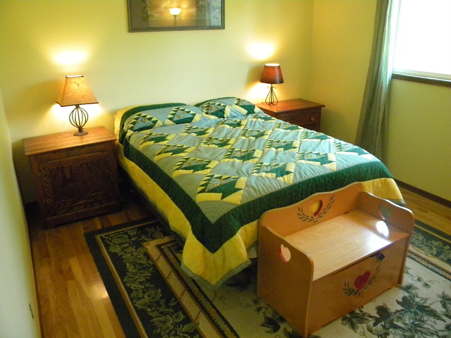 Sunflowers traditional-bedroom