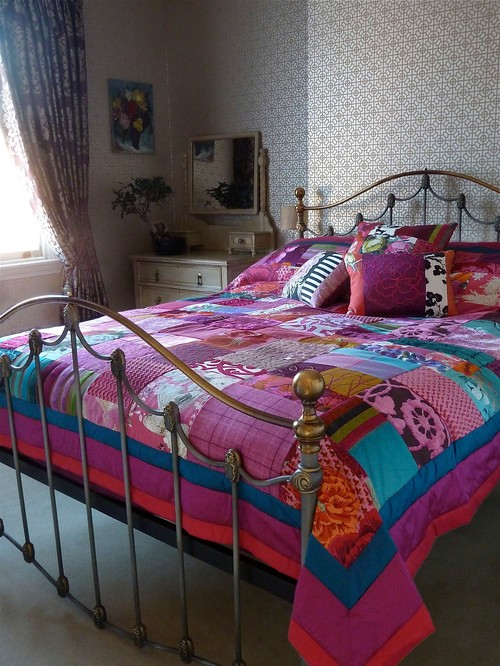 Suzy Newton custom made patchwork quilt and co-ordinating patchwork cushions