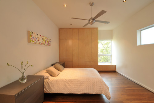 How a well designed well decorated home can help you de for Well decorated bedroom