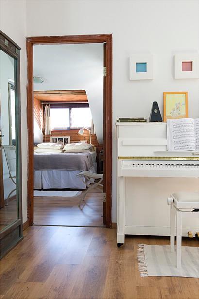 Tami's HOUZZ traditional-bedroom