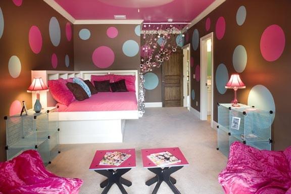 teen rooms €€ eclectic-bedroom.jpg