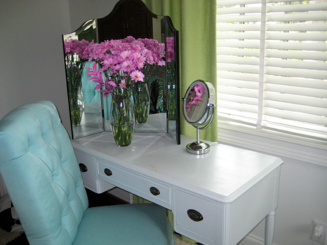 Teen Girl 39 S Vanity Table Transitional Bedroom Philadelphia By Mel