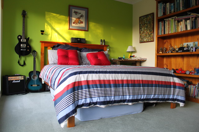 Teenage boys bedroom bedroom for Average life of a mattress
