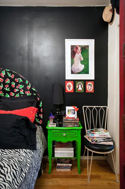 Teeny tiny itty bitty studio apartment eclettico for Camera da letto e studio