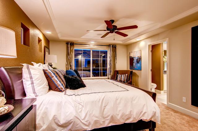 The Alamosa traditional-bedroom